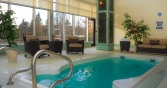 richview-manor-swimming-pool